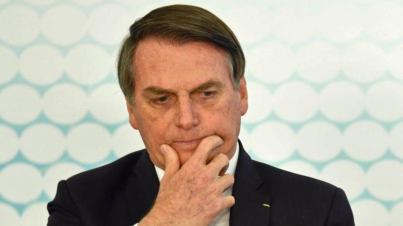 Jair Bolsonaro fue autorizado por sus médicos a iniciar fisioterapia y dieta líquida.