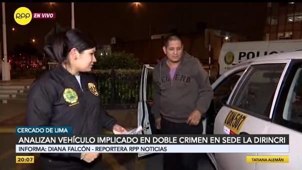 El taxista Raúl Bodero Cerna sale de la camioneta investigada por la Policía.