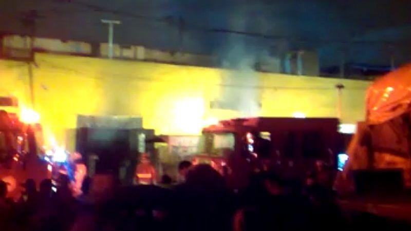 Incendio en el Mercado Minorista de La Victoria.
