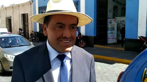 Mario Arce Espinoza, director de la Biblioteca Pública Municipal de Arequipa.