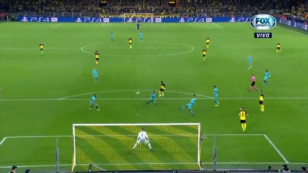 Así fue el tiro de Jadon Sancho ante Barcelona.