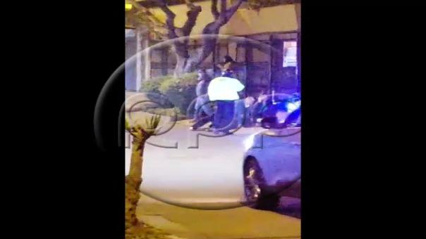 Enfrentamiento entre policías y delincuentes en Surco terminó con dos heridos.