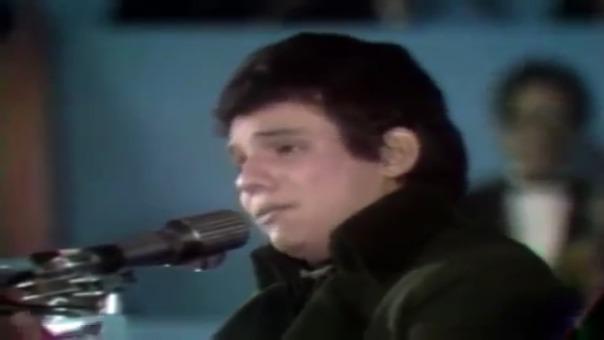 El Príncipe de la canción, José José interpretando