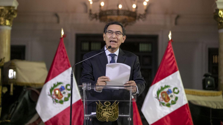 Desde las 05:30 p.m., el presidente de la República, Martín Vizcarra, dio un mensaje a la Nación en el que anunció la disolución del Congreso.