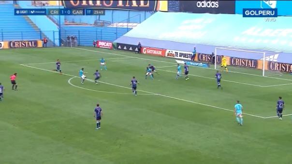 El golazo de Martín Távara para poner el 2-0 a favor de Sporting Cristal sobre Real Garcilaso