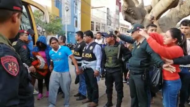 Así fue el traslado de los 31 detenidos presuntamente implicados en la muerte de cuatro personas en Huamachuco.