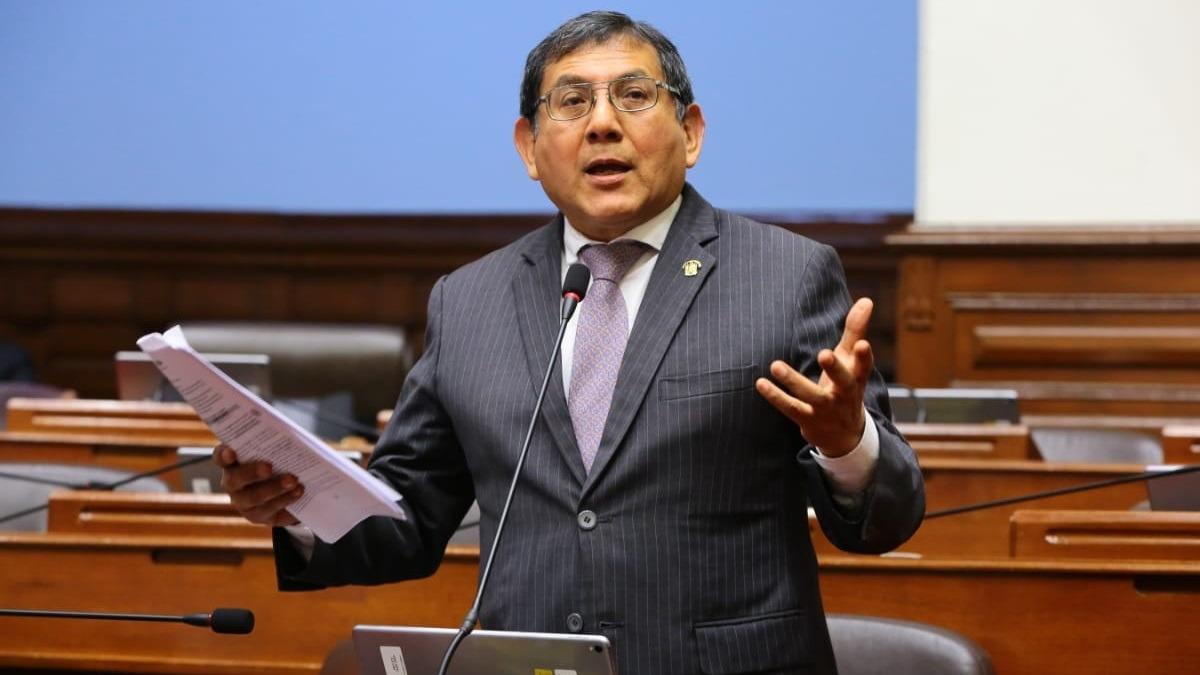 Ángel Neyra es miembro de la Comisión Permanente.