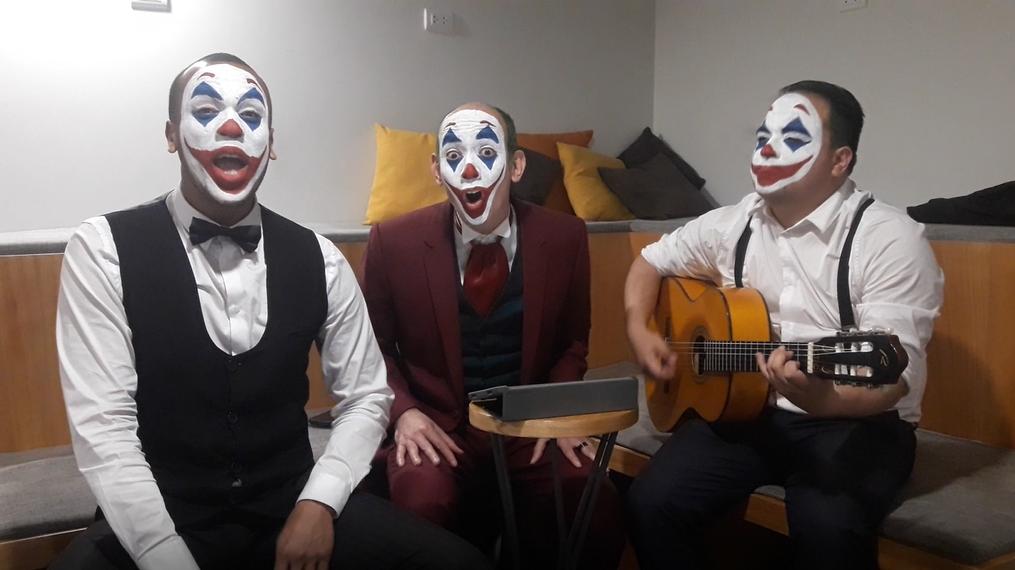 Los Juanelos interpretan su versión de