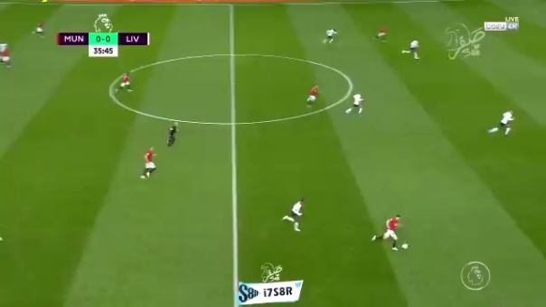 Manchester United ante Liverpool.