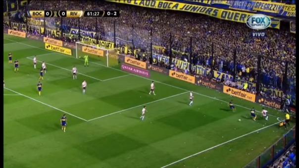 La excelente salida de Exequiel Palacios con caño incluido al jugador de Boca Juniors