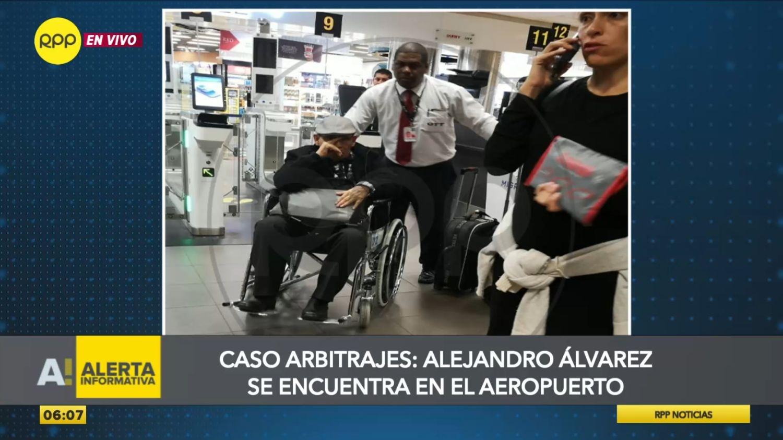 Alejandro Álvarez Pedroza en el aeropuerto internacional Jorge Chávez
