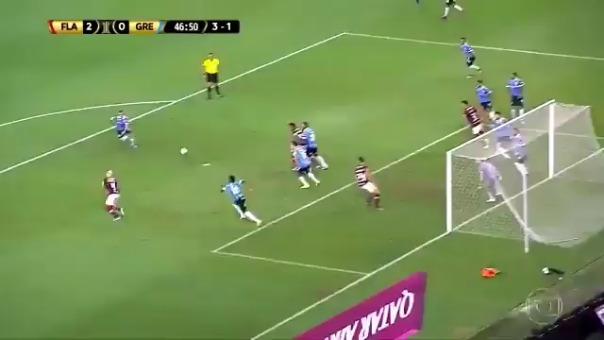 El delantero puso el segundo para el Flamengo.