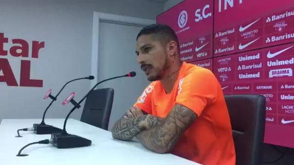 Paolo Guerrero en conferencia de prensa.