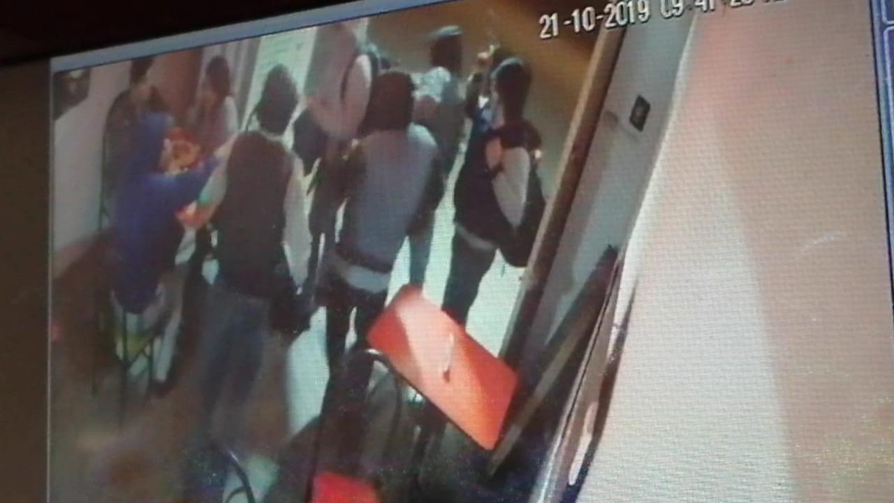 Delincuentes golpearon a niño con pistola