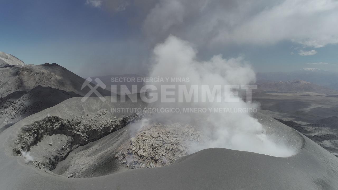 El registro fue posible por el sobrevuelo con drone sobre el cráter del macizo, realizado por una brigada de campo del Observatorio Vulcanológico del Ingemmet (OVI) el pasado 26 de octubre del 2019.