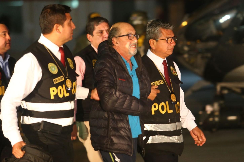 El funcionario felicitó el trabajo efectuado por los miembros de la Policía Nacional del Perú y aseguró que, así como se capturó a Donayre, se atrapará también a otros prófugos de la justicia.