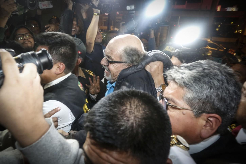 El ministro del Interior, Carlos Morán, reveló en el momento de su detención Donayre tenía una mochila con una peluca dentro, que el excongresista usaba cuando salía a la calle.