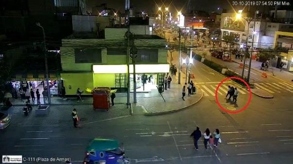 Video de la cámara de seguridad de la Plaza de Armas de Puente Piedra.