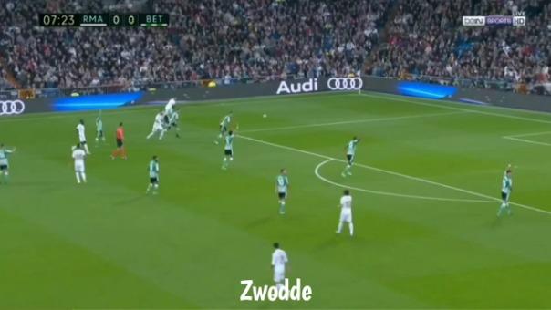El delantero belga Eden Hazard ante Betis.