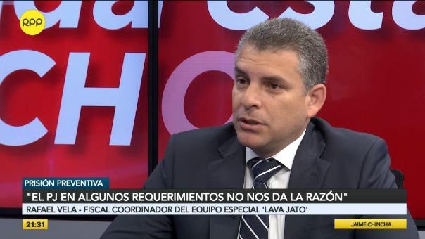 El fiscal Rafael Vela dijo que su hermano es libre de buscar sus