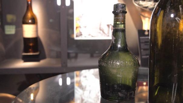 Los expertos realizarán análisis de los licores para confirmar si pueden ser aptos para su consumo.