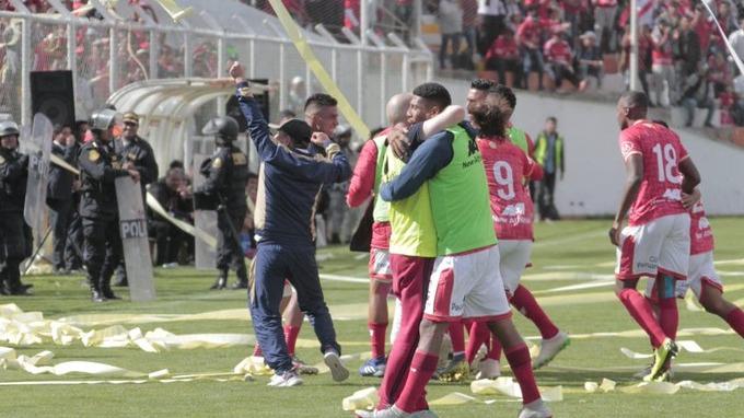 Cienciano ganó 4-2 a Santos FC por la Liga 2