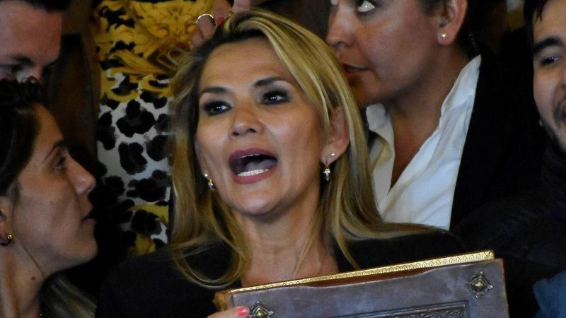 Jeanine Áñez se proclamó presidenta de Bolivia tras la renuncia de Evo Morales.