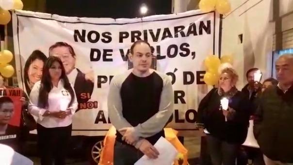 Mark Vito anunció su decisión en una vigilia en los exteriores del penal de Chorrillos, donde se encuentra encarcelada Keiko FUjimori.