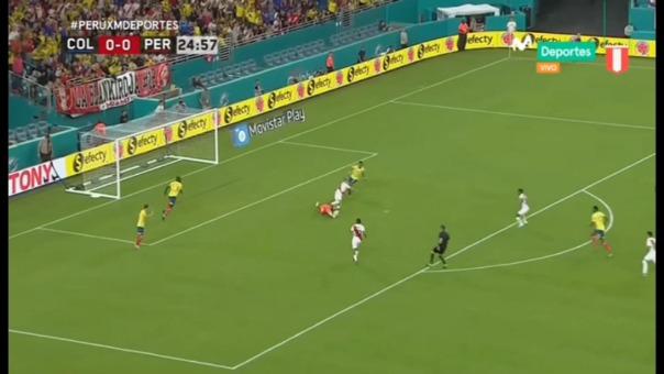 Así fue la jugada en la que Paolo Guerrero casi anota frente a Colombia.