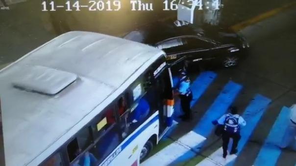 Así fue el intento de fuga del chofer del bus, en Barranco.
