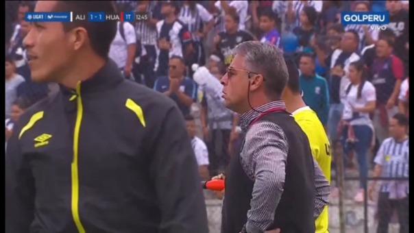 Esta fue la reacción de Pablo Bengoechea tras el gol de Manuel Corrales.