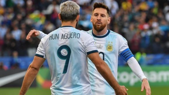 'Kun' Agüero y Lionel Messi, jugadores de Argentina.