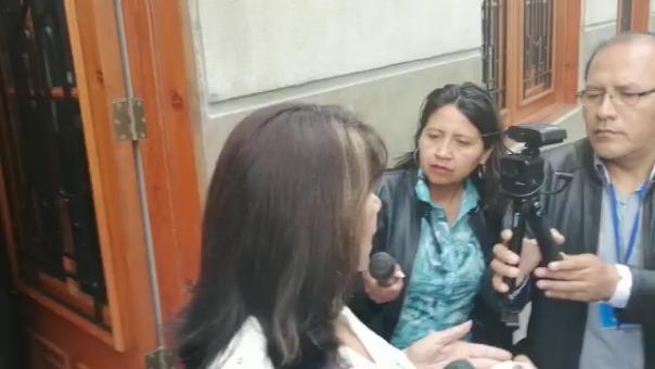 Martha Chávez declara a las afueras de la Sala Penal.