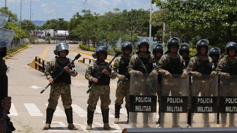 Las autoridades bolivianas denunciaron que una refinería de El Alto fue atacada por