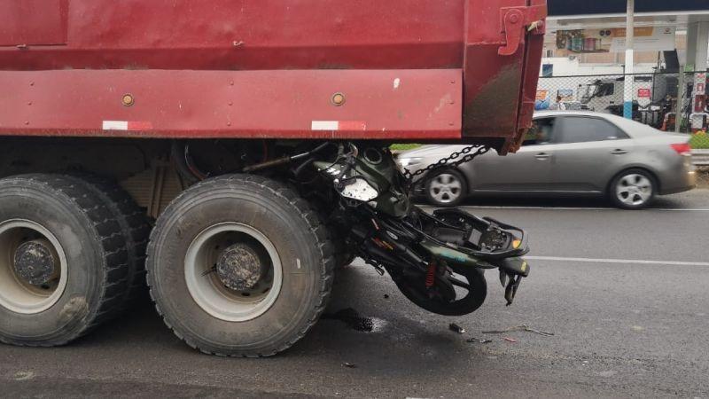 El violento accidente ocurrió en la avenida Elmer Faucett, en el Callao.