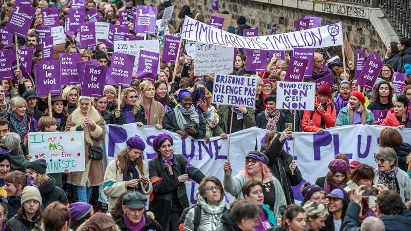 El colectivo #NousToutes (Todas nosotras), que organizó la marcha, se congratuló por