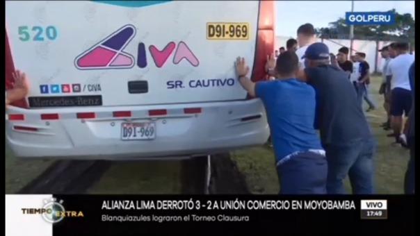 El bus el plantel de Alianza Lima.
