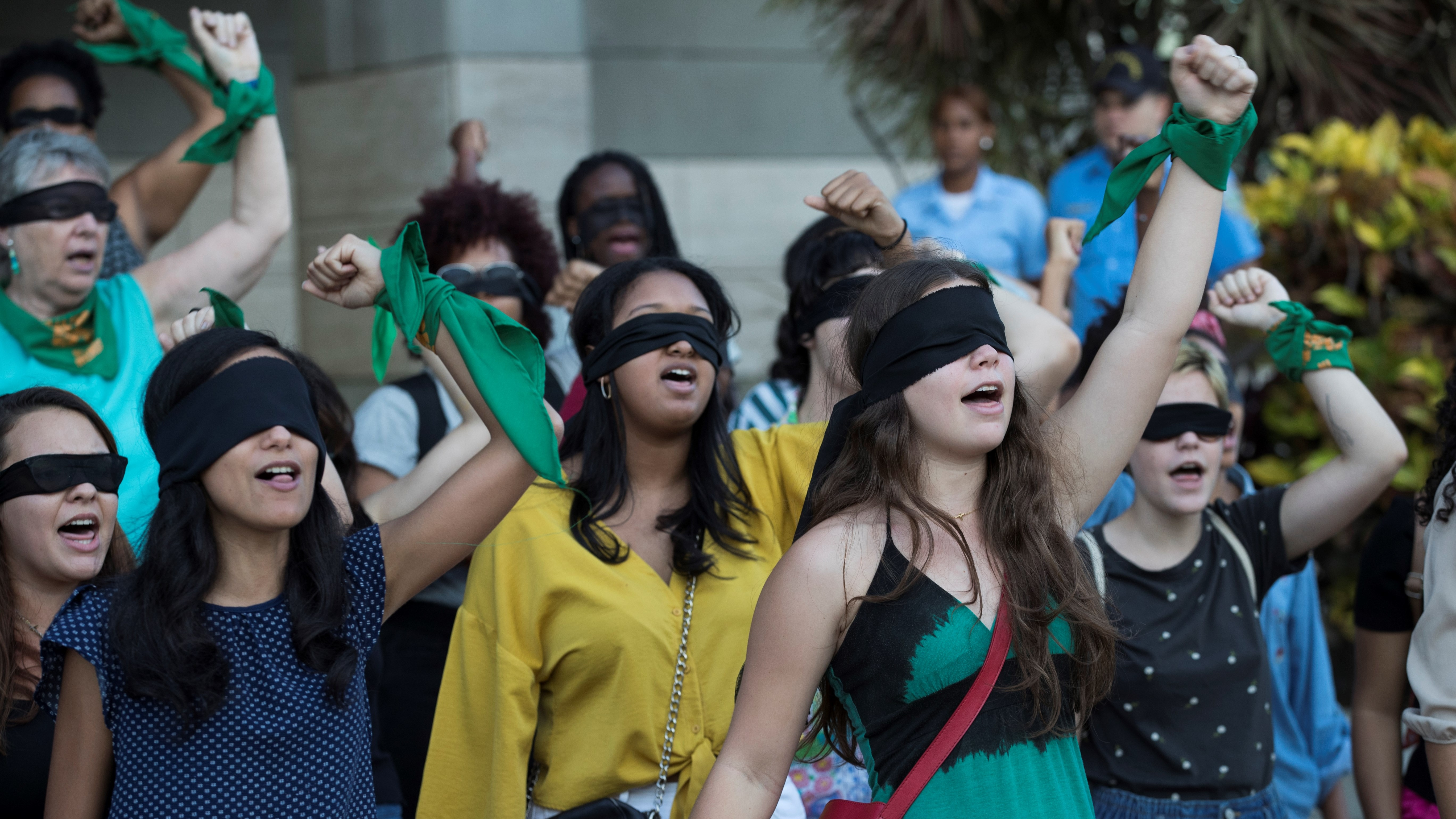 El acto iniciado en Chile ha dado la vuelta al mundo con presentaciones similares en varios países.