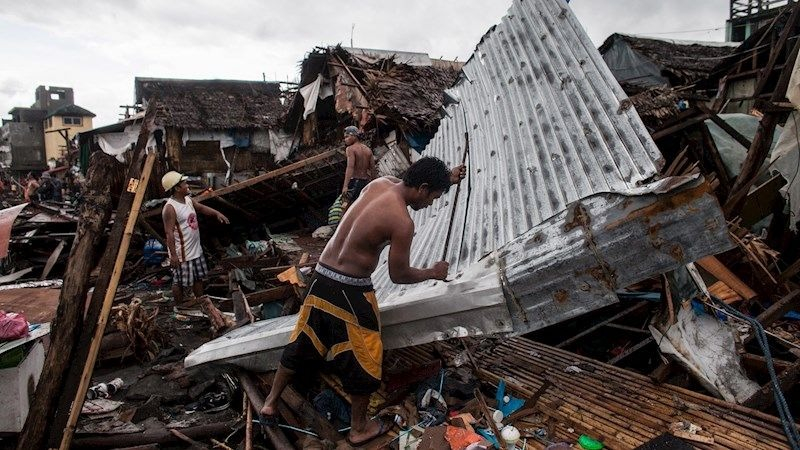 El tifón Kammuri tocó tierra este martes y provocó lluvias torrenciales.