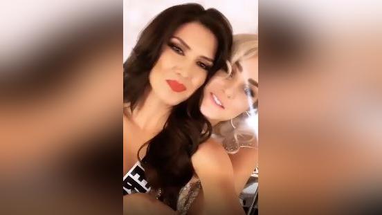 Miss Perú 2019 recibió la felicitación de Miss Albania tras su paso por la gala de Miss Universo 2019.