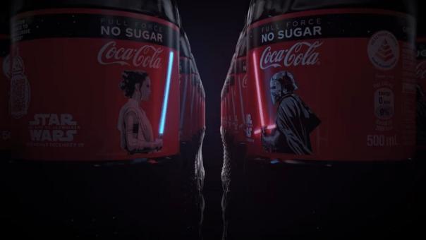 La campaña es protagonizada por Rey y Kylo Ren.