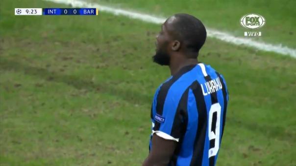 Así fue la ocasión fallada por Romelu Lukaku frente al Barcelona.