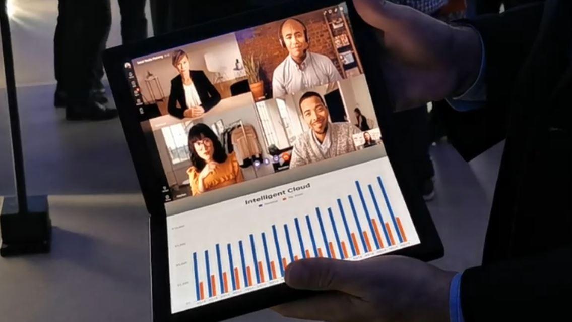 La laptop con pantalla pleglable fue mostrada en España.