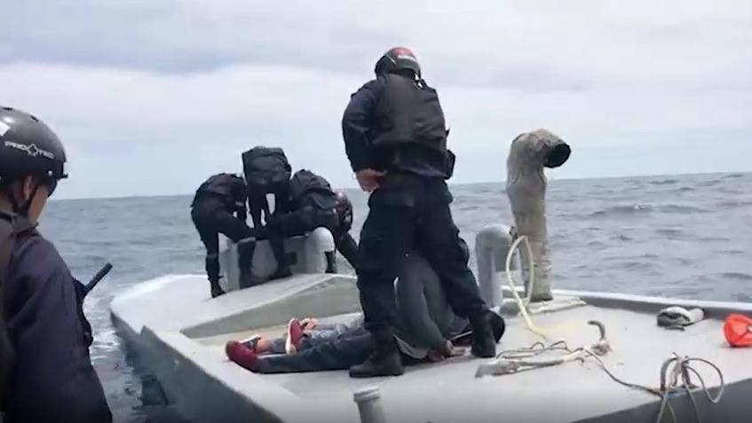 Mira el operativo y captura del semisumergible en el mar de Piura.