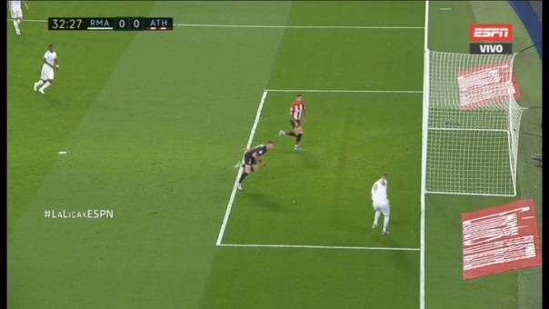 Así fue el disparo de Karim Benzema que Unai Núñez sacó con un 'taquito'.