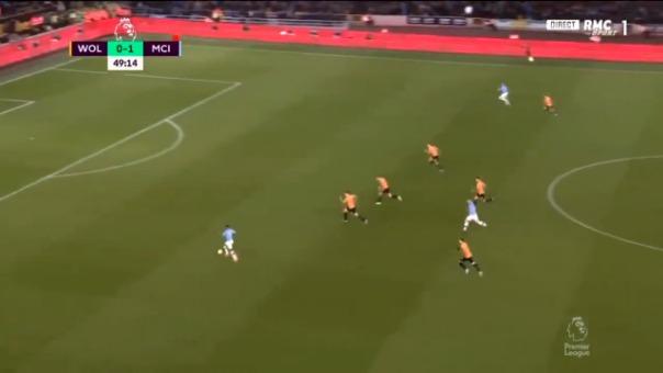 Raheem Sterling se lució con una gran definición para el segundo gol de Manchester City