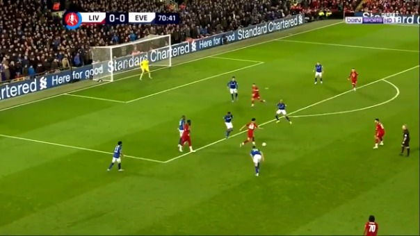 Así fue el gol de Curtis Jones contra el Everton.