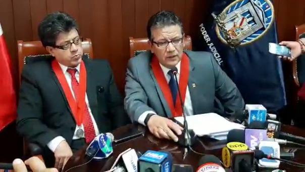 Carlos Magno Cornejo, presidente de la CSJA, junto a Jhony Cáceres, jefe de la ODECMA.