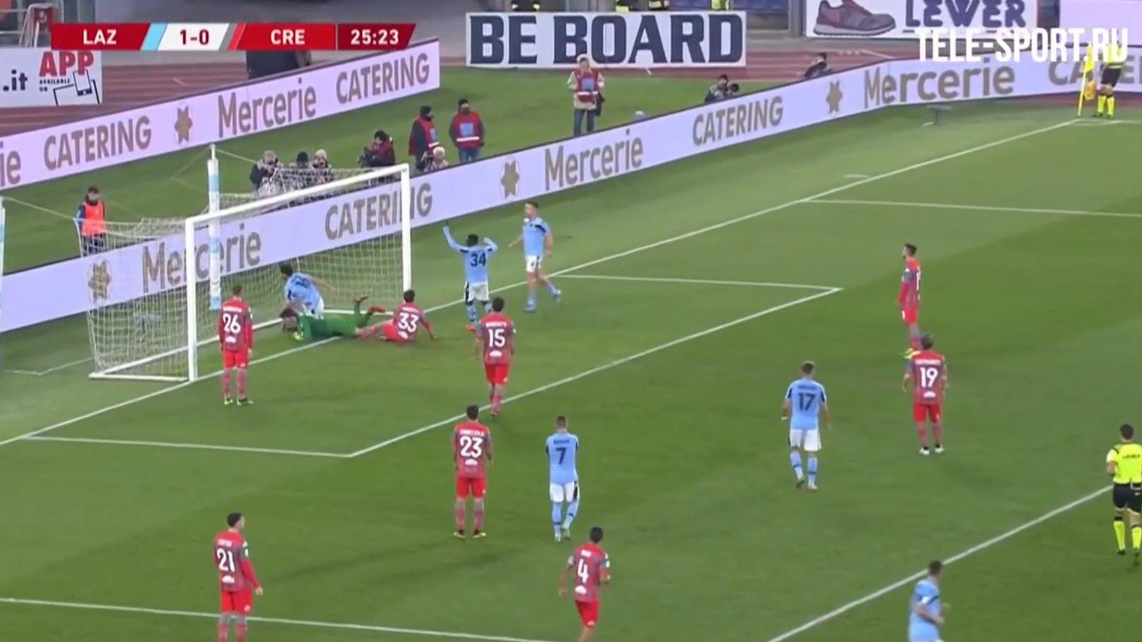 Lazio ganó 4-0 y clasifíco a cuartos de final de la Copa de Italia.