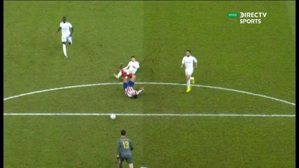 Así fue la polémica jugada de Federico Valverde que le valió la expulsión.